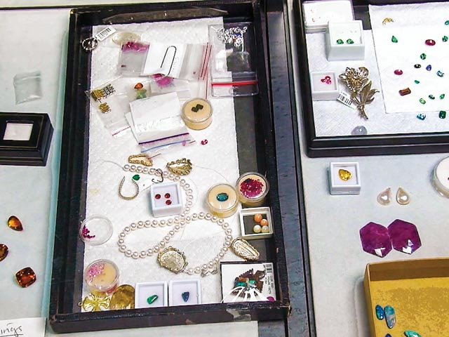 Jewelry2_640x480.jpg