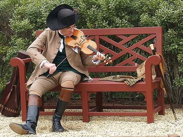 Fiddler Ted Borek