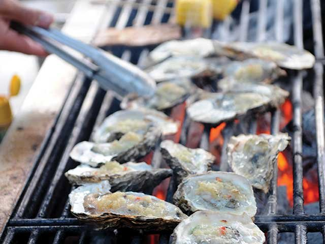grilling_oysters.jpg