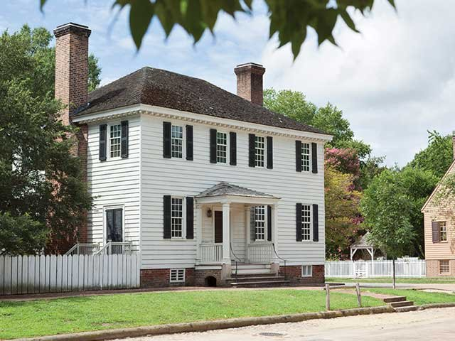 Colonial Homes Modern Lives