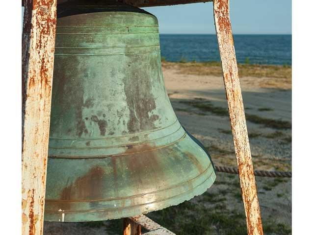 windmill_point_lighthouse_bell.jpg