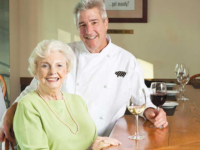 chef_neil_griggs_and_mom.jpg